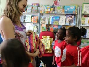 Grupo de mães de Campinas participa, também, de ações sociais com crianças  (Foto: Polyana Pinheiro/Arquivo Pessoal)