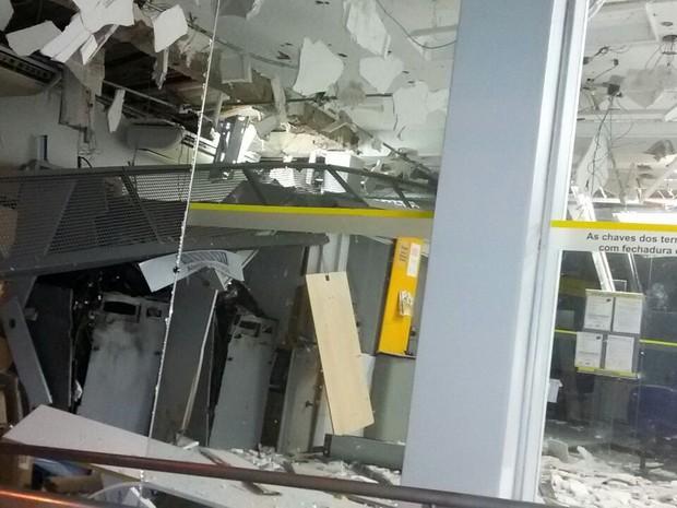 Assalto aconteceu por volta das 3h desta sexta-feira (26) (Foto: Anderlon Vargas/Divulgação)