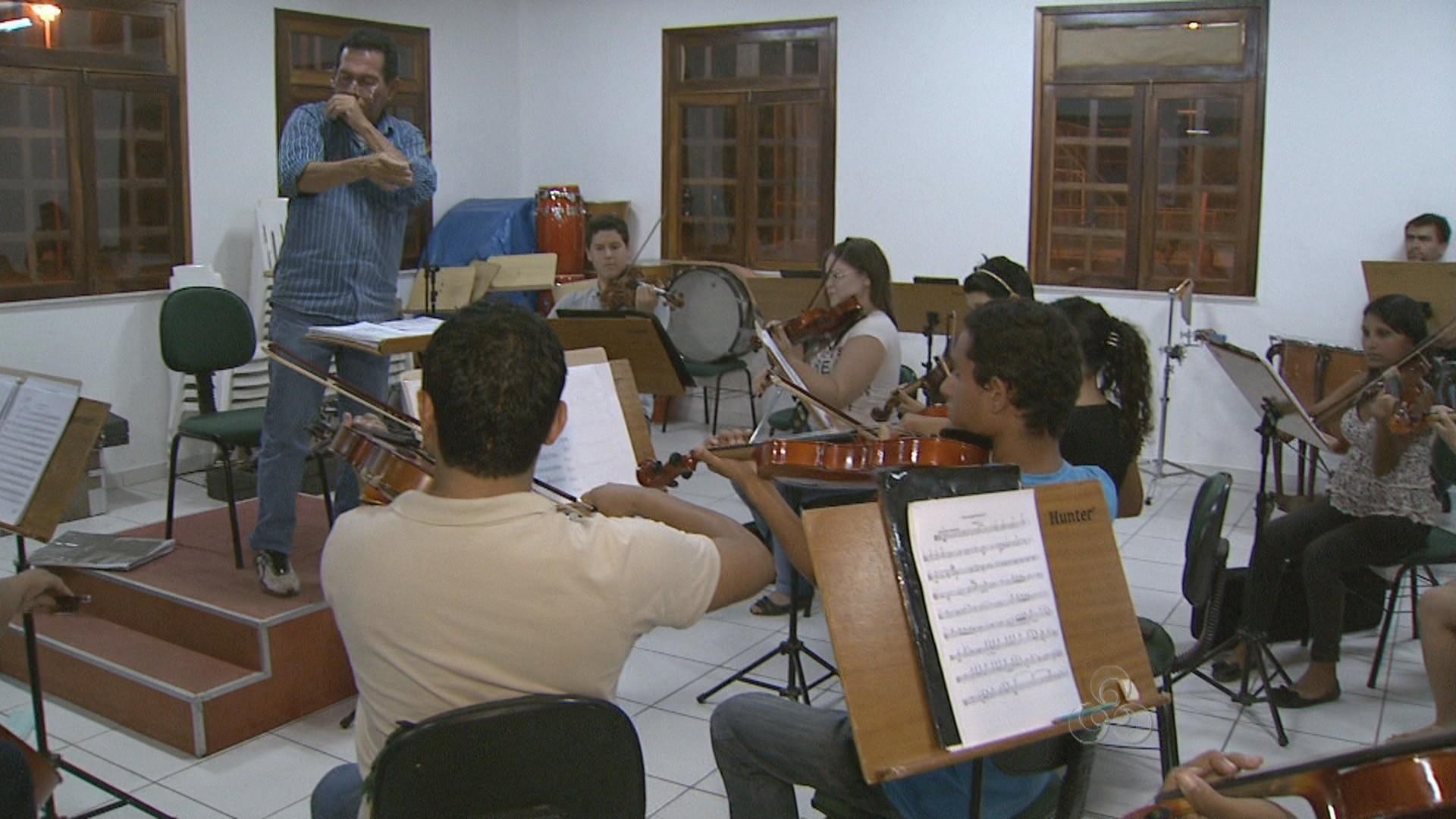 Músicos fazem esaio para a apresentação que pretende emcocionar as mães de Boa Vista (Foto: Roraima TV)