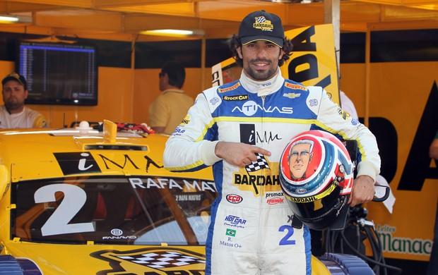 Rafa Matos com imagem do pai no capacete Stock Car (Foto: Vanderley Soares / divulgação)