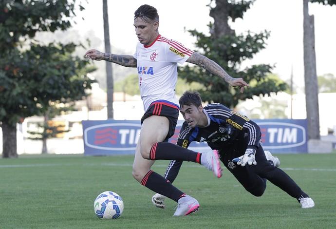 Guerrero e César, treino Flamengo (Foto: Gilvan de Souza / Flamengo)