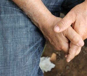 João* tem 68 anos. É HIV+ (Foto: Nathalia Tavolieri / ÉPOCA)