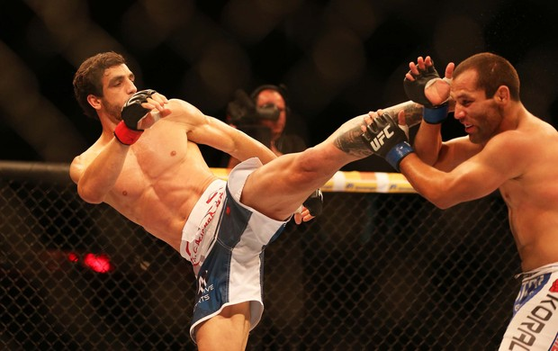 UFC TUF 3 Elias Silvério x Ernest Chavez (Foto: Marcos Ribolli)