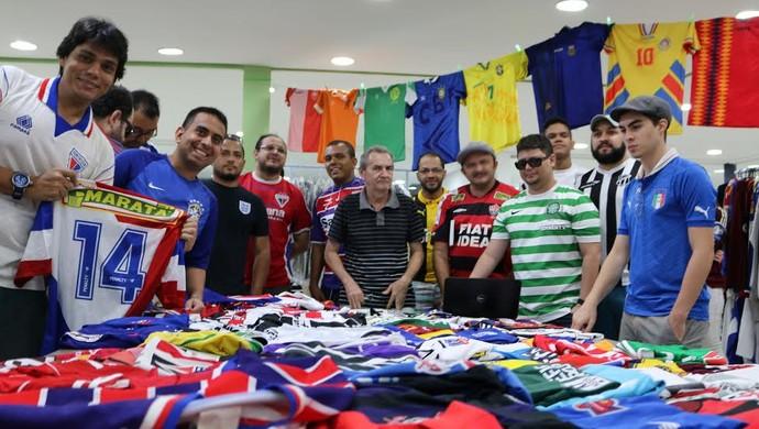 Colecionadores de camisas de futebol se encontram em Fortaleza ad5d52004d280