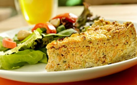 Torta de cenoura com alho-poró