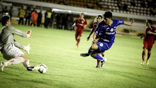 Tavares fez os dois gols do Confiança (2) (Foto: Fillipe Araújo/Divulgação-ADC)