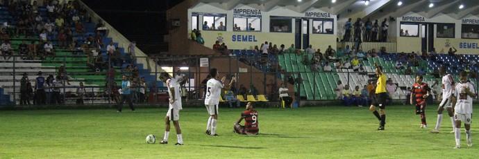 Flamengo-PI x Cori-Sabbá pela primeira rodada do returno do Piauiense 2014 (Foto: Emanuele Madeira/GloboEsporte.com)