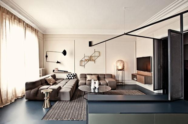 Divisões inteligentes marcam apartamento em Paris (Foto: Karel Balas/Divulgação)