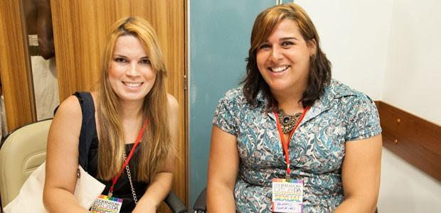 Milena Santana, aluna formada e empregada através do Projeto Damas e Beatriz Cordeiro, aluna formada e hoje supervisora do Projeto Damas. (Foto: Divulgação/ Tatiane Amorim)
