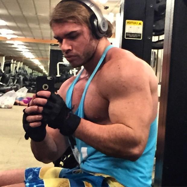 Thor Batista posa em academia em Nova York, nos Estados Unidos (Foto: Instagram/ Reprodução)