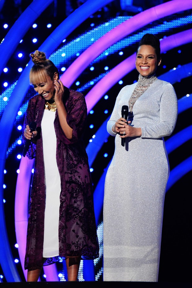 Emeli Sande e Alicia Keys no EMA (Foto: Getty Images)
