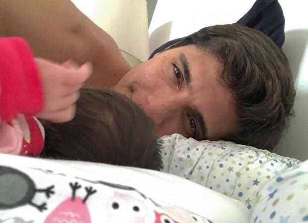 Bruno Gissoni e a filha, Madalena (Foto: Reprodução/Instagram)