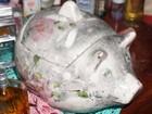 Ladrão que deixou digital em cofre porquinho continua foragido
