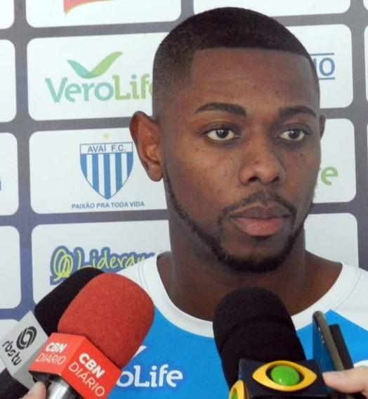 é exigente (André Palma Ribeiro/Avaí F. C.)