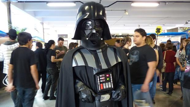 O fã clube paranaense de Star Wars levou o Darth Vader (Foto: Divulgação/RPC TV)