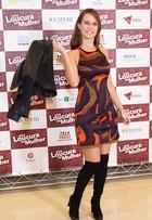 Look do dia: Mariana Ximenes combina sandálias com meias