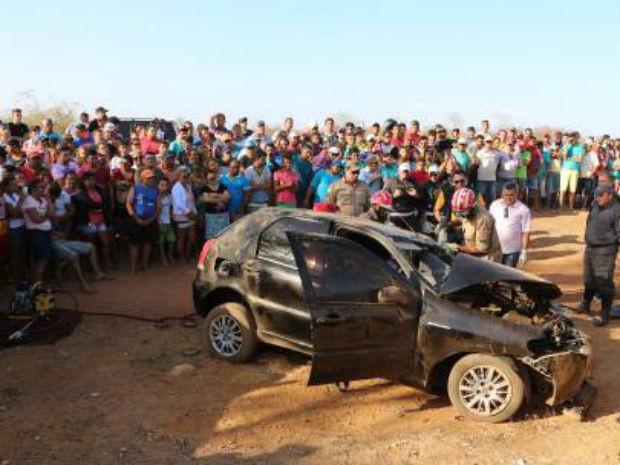 Acidente deixou três pessoas mortas (Foto: Marcelino Neto/O Câmera)