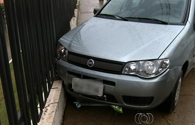 Chuvas causam transtornos em Anápolis, Goiás (Foto: Reprodução/TV Anhanguera)