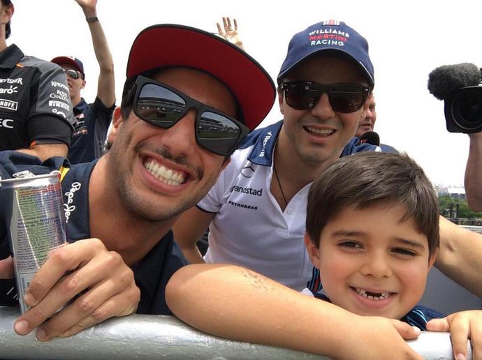 Daniel Ricciardo é grande amigo de Felipe Massa e adora Felipinho (Foto: Reprodução / Instagram)