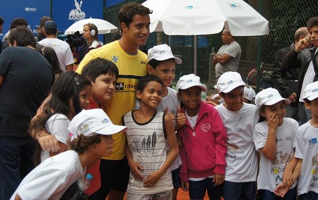 Fabiano de Paula tênis Rocinha (Foto: Alexandre Cossenza)