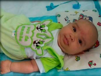 Mãe diz que bebê foi roubado no centro de BH (Foto: Reprodução/TV Globo)