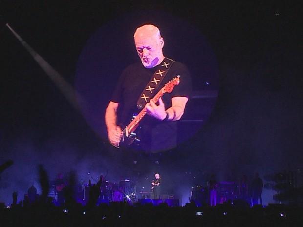 David Gilmour tocou para cerca de 40 mil pessoas em Porto Alegre (Foto: Reprodução/RBS TV)