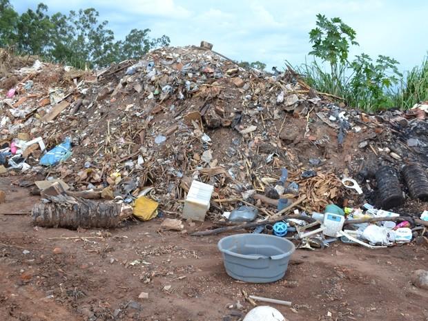 Câmara instaura CP para investigar descarte irregular de lixo em Rafard (3) (Foto: Túlio Darros/O Semanário)
