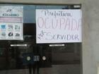 Em Porto Grande, servidores ocupam prefeitura após atraso de salários