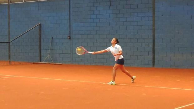 Emily Tênis feminino Mogi das Cruzes Jogos Abertos 2013 (Foto: GloboEsporte.com)