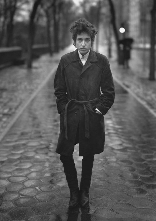 Bob Dylan fotografado por Richard Avedon em 1965 (Foto: Reprodução)