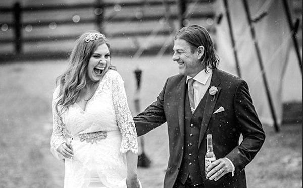 O ator Sean Bean com a sua nova esposa (Foto: Divulgação)