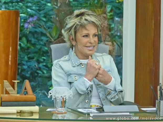 Ana Maria vibra com os desejos de melhores enviados por amigos famosos (Foto: Mais Você / TV Globo)