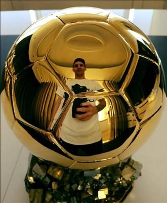 Messi Bola de Ouro (Foto: Reprodução / Twitter)