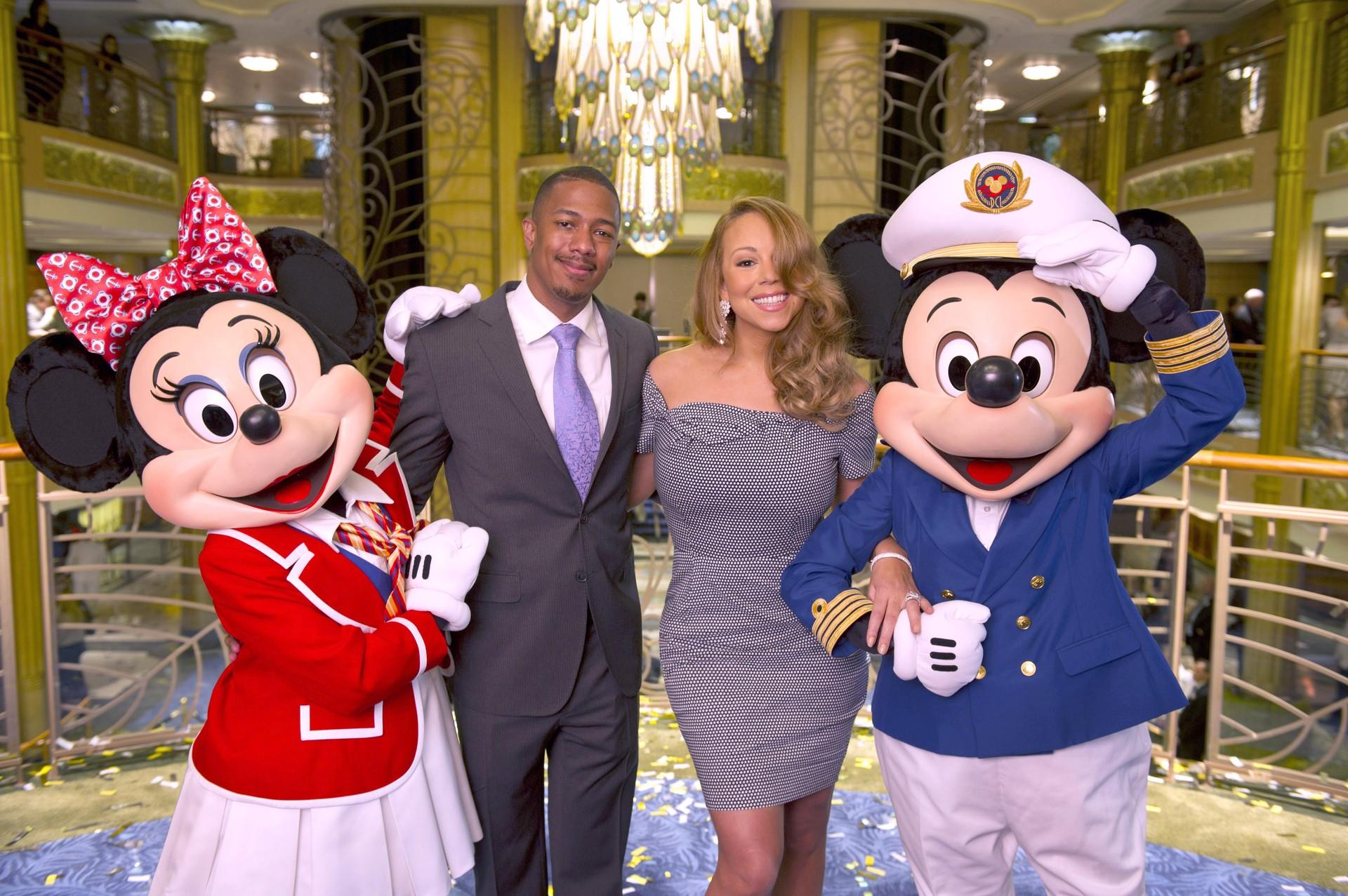 O casal selou compromisso em 2008. O 5º aniversário de casamento, eles comemoraram romanticamente na Disneyland, fechando o parque para uma cerimônia privada. (Foto: Getty Images)
