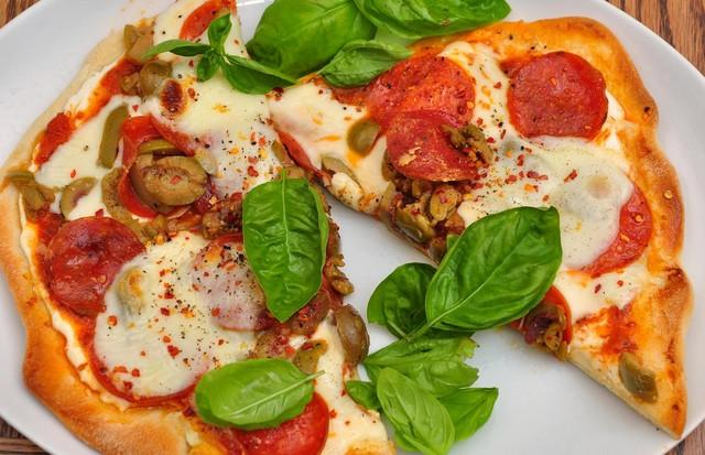 Pizza com massa de couve-flor: nem parece! (Foto: Divulgação)