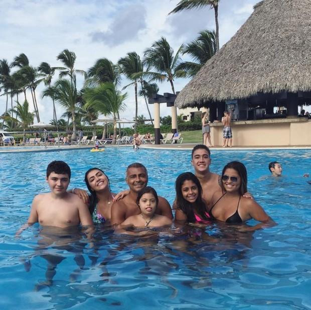 Romário com os filhos em resort em Punta Cana, no Caribe (Foto: Reprodução/Instagram)