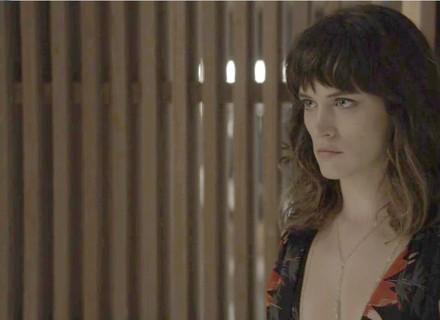 Clara acusa Renato: 'Você quis me matar'