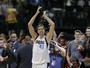 Nowitzki chega a 30.000 pontos na NBA, e Mavs passam pelos Lakers