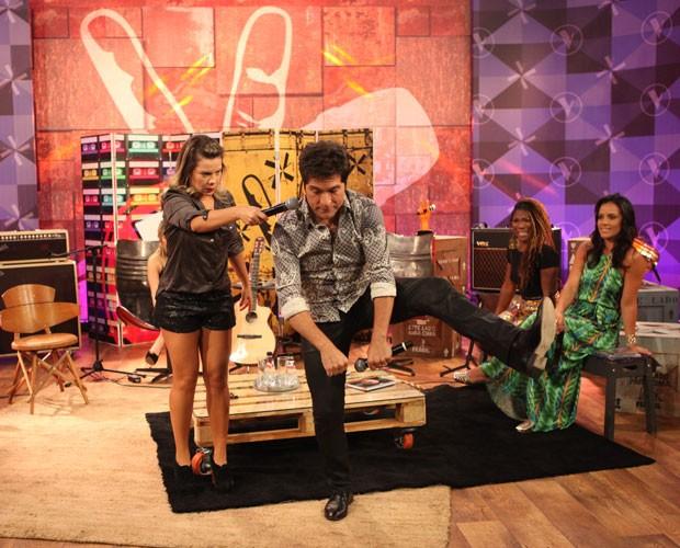 Daniel ensina a dançar eu me amarrei (Foto: Isabella Pinheiro/ Gshow)