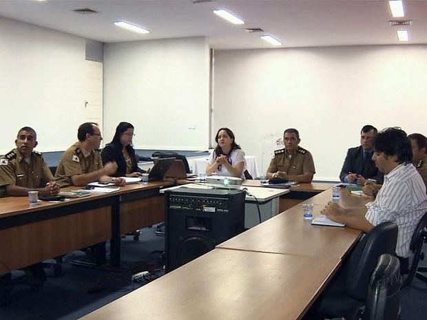 Autoridades discutem aumento de crimes violentos em Pouso Alegre (Foto: Reprodução EPTV)