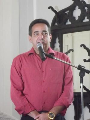 Presidente do CRB, Marcos Barbosa apela por aumento da verba para o Galo e o arquirrival CSA (Foto: Caio Lorena / Globoesporte.com)