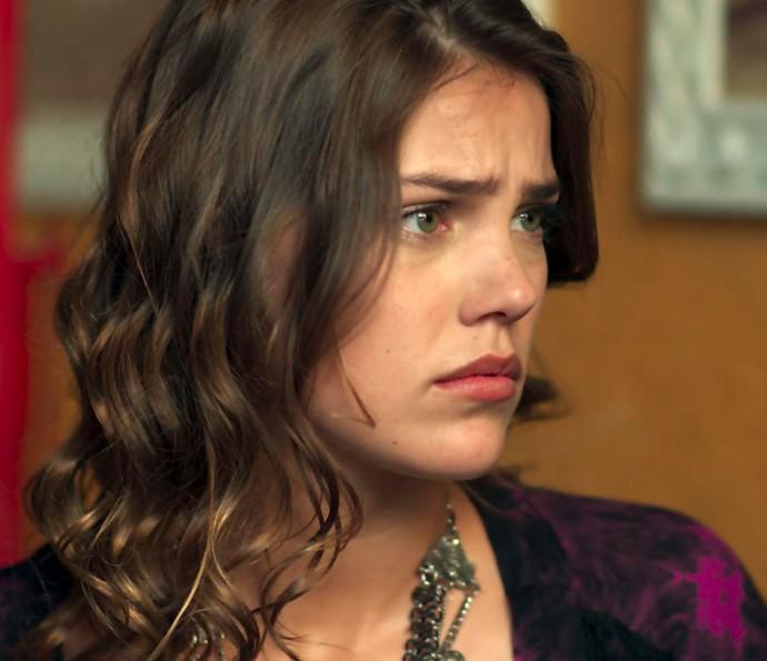Alina provoca e coloca Cleyton contra a parede: 'Tudo mesmo?' (Foto: TV Globo)