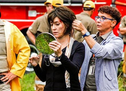 Confira os bastidores de Christiane Torloni nas primeiras cenas de ação de Alto Astral