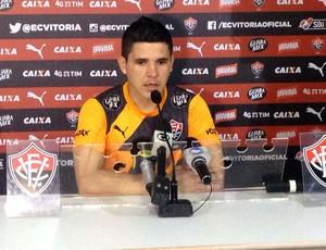 Diego Renan lateral do Vitória (Foto: GloboEsporte.com)