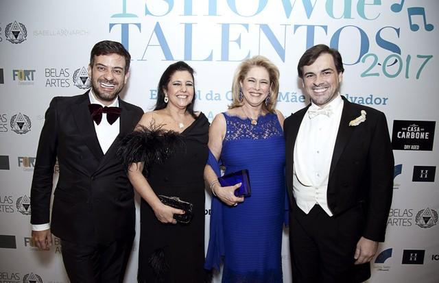 Bruno Astuto, Clara Magalhães, Gloria Trussardi Severiano Ribeiro e Sandro Barros (Foto: Zeca Florentino)