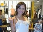 Maria Melilo usa bolsa de R$10 mil em lançamento de roupas de Felipe Titto