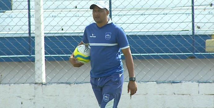 Buião, técnico do Rio Claro (Foto: Marlon Tavoni/EPTV)