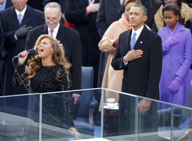 Beyoncé canta na cerimônia ligada à posse de Barack Obama (Foto: Reuters / Agência)