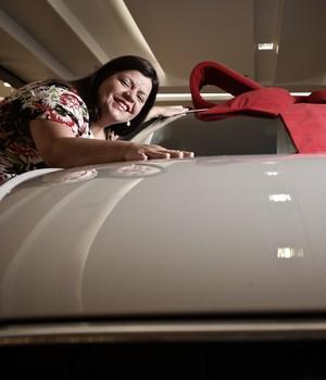 Ganhadoras de carros em sorteios de shoppings celebram 'fim do azar' (Caio Kenji/G1)