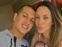 Lizi Benites posa com a filha recém-nascida: 'Amor e gratidão'